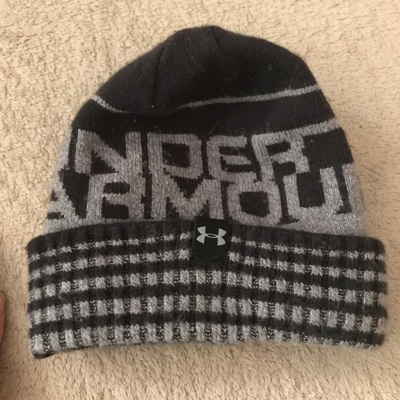 Used Under Armour kids beanie. M 5bba8242534ef9bb9d927999 c2ff971d3d7